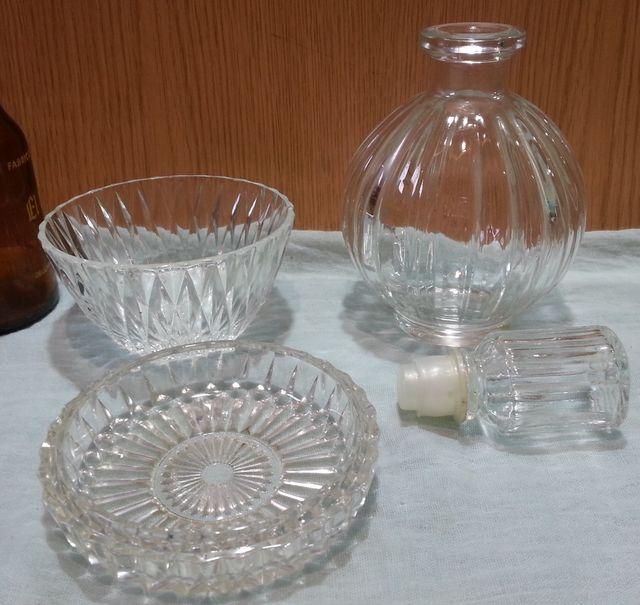Conjunto de tocador en vidrio. Años 70-80.