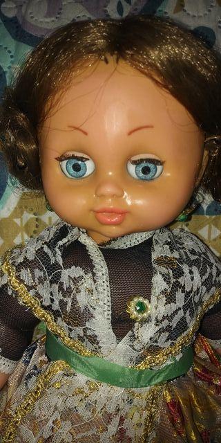 muñeca antigua