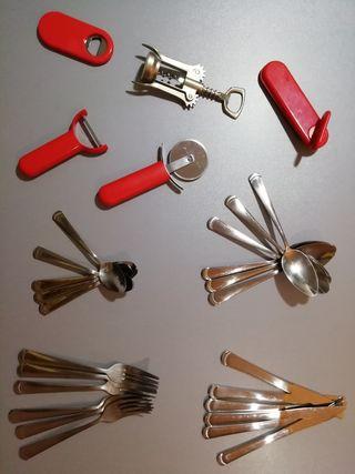 Cubiertos y accesorios.