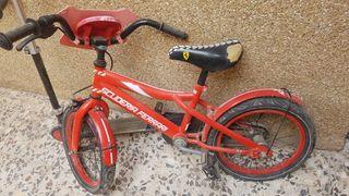 patine y bicicleta infantil.