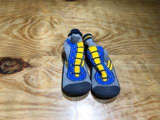 Talla 22-23 Ropa zapatos zapatillas bebe niño