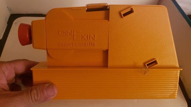 cine exin antiguo con caja