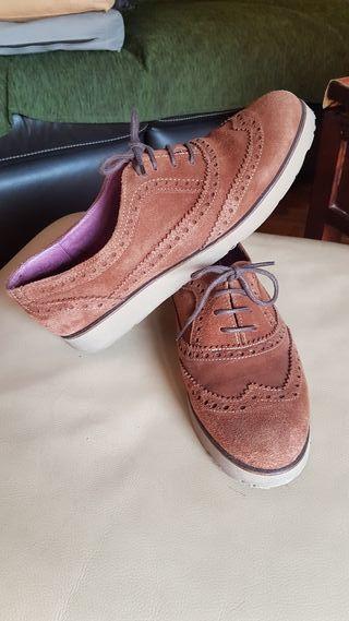 5cc91b666b7 Zapatos para mujer con cordones de segunda mano en WALLAPOP