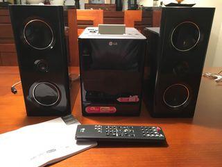 Sistema Micro Hi - Fi DVD