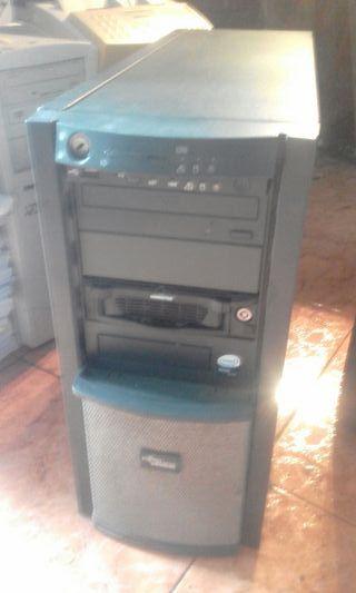 ordenador, pantalla, teclado y Raton