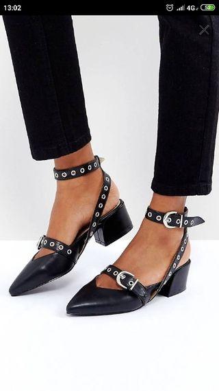 zapato hebilla cómodo