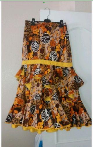 Conjunto falda y blusa rociera