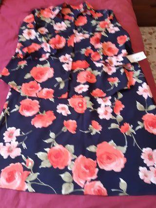 falda y blusa T-48 ,con etiqueta