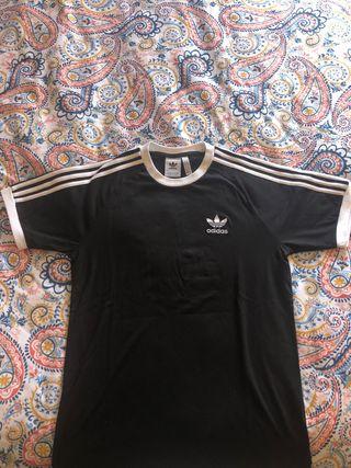 Camiseta Adidas Negra talla S nueva
