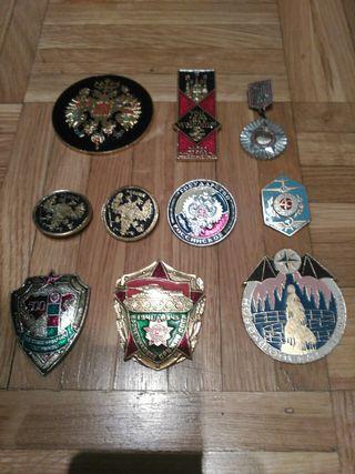 Lote de medallas y pines rusos