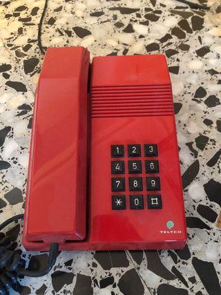 2 Teléfonos rojos