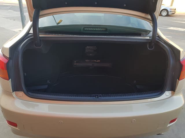 Lexus IS 220D 177cv Sport IMPOLUTO!!!