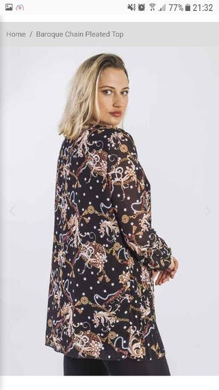 Baroque chain printed pleated top