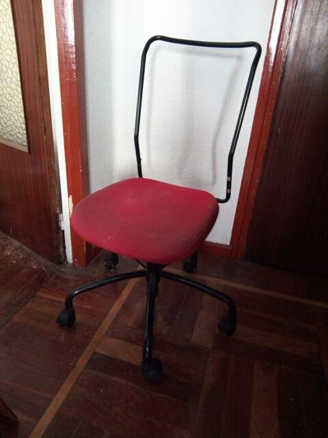 Silla de oficina para tapizar de segunda mano por 5 € en ...