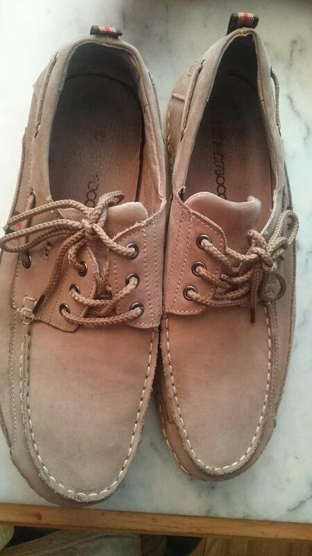 Zapato de hombre talla 44. Marca NICOBOCO.