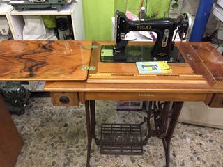 Máquina de coser Sigma A con mueble