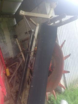 Estendedor de hierba para silo