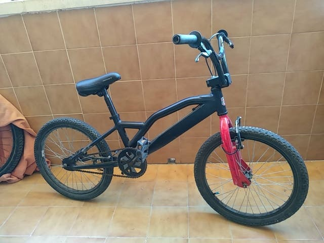 bicicleta BMX (Monty)