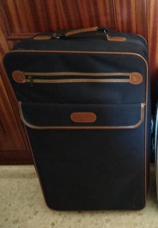 c3cb264f4 Maleta grandes de segunda mano en Málaga en WALLAPOP maletas de viaje  grandes segunda
