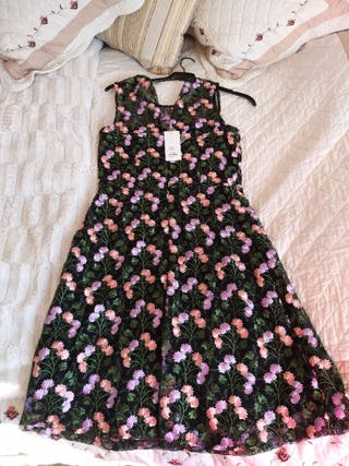 Vestido negro flores rosas