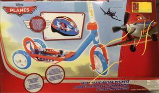 Patinete Aviones Disney con casco