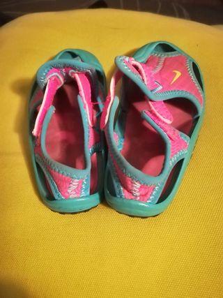 Zandalias Nike niña