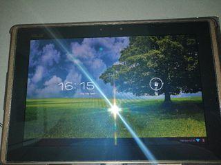 "tablet assus 16 GB. 10""pulgadas de pantalla"
