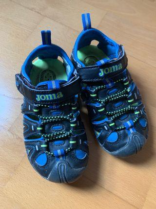 8699d2783439 Zapatillas para niño de segunda mano en Vic en WALLAPOP