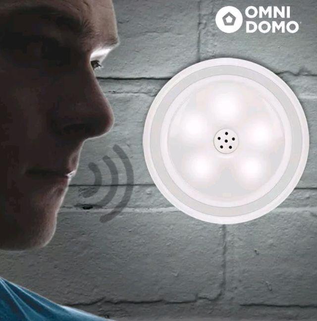 Foco LED con sensor de voz