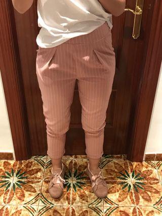 Pantalones SIN USO, aún con etiqueta