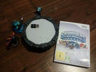 Juego Wii Skylanders con base y 3 figuras