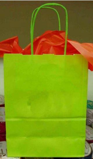 Bolsas de papel verdes