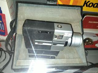cámara 8mm vídeo Sankyo en maletin