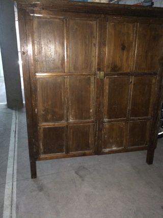 Antiguo mueble de tv de tela