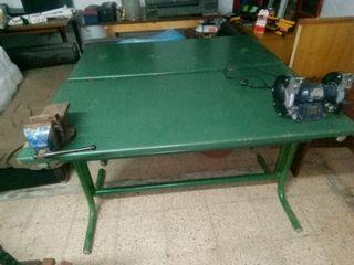 banco mesa de trabajo,con tornillo i amoladora