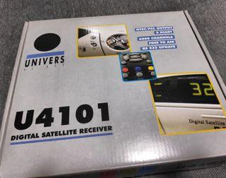 Receptor de satélite STB FTA Univers U4101