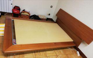 cama y mesitas