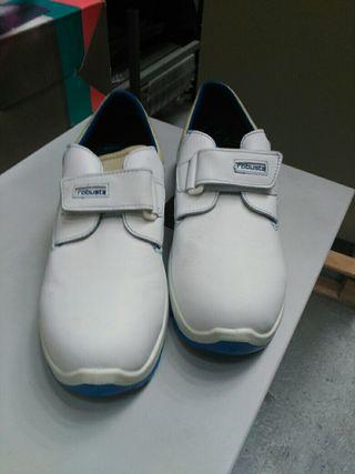 Zapatos trabajo hombre y mujer