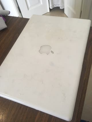 Se vende Mc book para piezas