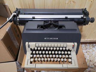 Máquina de escribir mecánica Olivetti línea 98