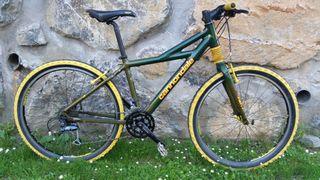 Bicicleta Cannondale F1000 Caad4