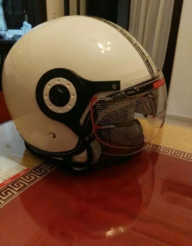 casco moto legendario