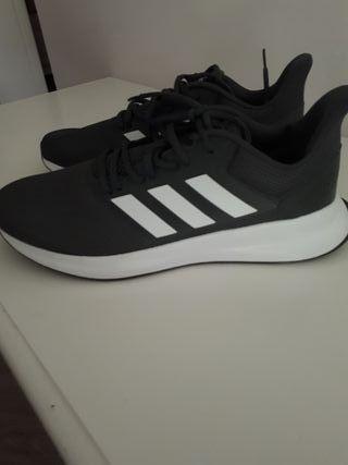 708c9055 Zapatillas Adidas hombre de segunda mano en Madrid en WALLAPOP