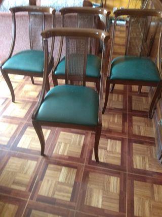 4 sillas estilo clasico