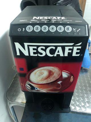 Máquina de café y bebidas calientes