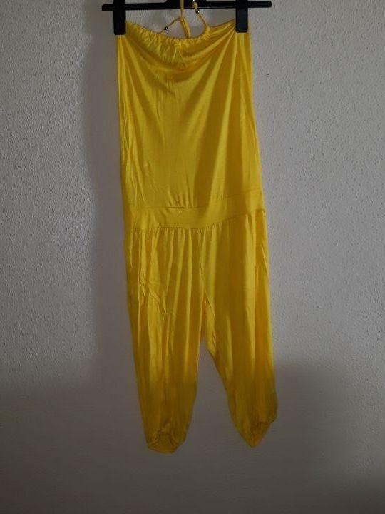 Mono amarillo verano al cuello