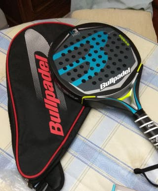 Vendo pala Bullpadel