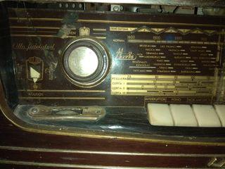 RADIO ANTIGUA MARCA IBERIA AÑOS 60