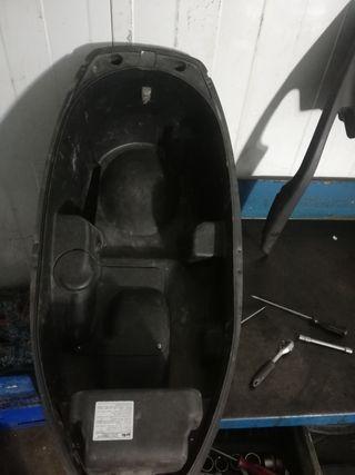 cofre de Aprilia Atlantic 200cc 125cc