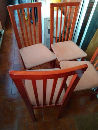 4 sillas de madera comedor. sólo 10€.